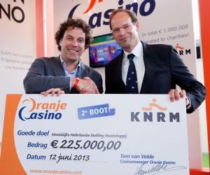 2013 06 12 Oranje Casino gift